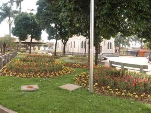 Praça Matriz da Prefeitura de Colina/ Divulgação