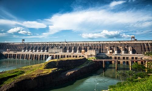 Barragem principal da Itaipu Binacional